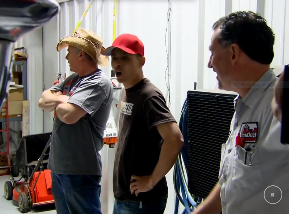 Screenshot of Brian Filippone in an episode of Street Outlaws